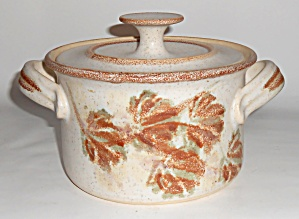 Bennett Welsh Studio Pottery Wheel Thrown Casserole