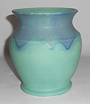 Muncie Pottery Blue Over Green #415 Vase Mint