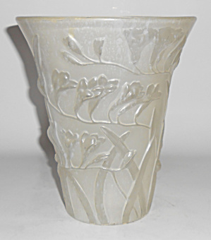 Phoenix Consolidated Art Glass Frosted Freesia Vase (Image1)