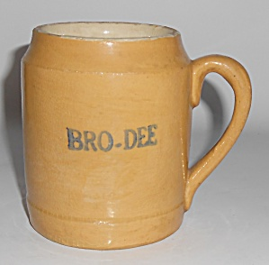 Bauer Pottery Early Yellow Ware Beer Mug #2 (Image1)