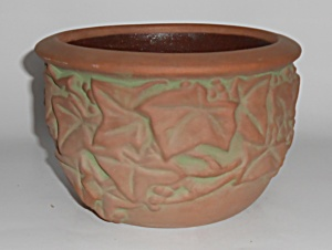 Peters And Reed Art Pottery Moss Aztec Ivy Leaves & Ber