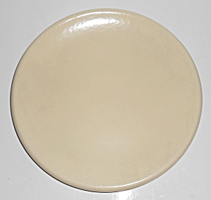 Catalina Island Pottery Ivory Rolled Rim Plate (Image1)