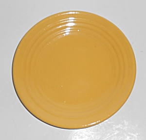 Bauer Pottery Early Ring Ware Yellow Bread Plate (Image1)