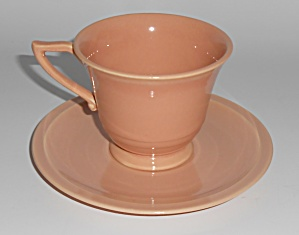 Franciscan Pottery Montecito Gloss Coral Cup & Saucer (Image1)