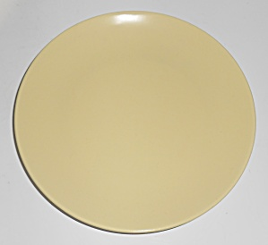 Catalina Pottery Rancho Duotone Ware Satin Yellow Plate (Image1)