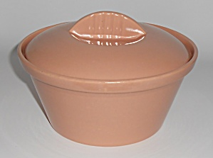 Franciscan Pottery Specials S-95 Coral Casserole w/Lid (Image1)