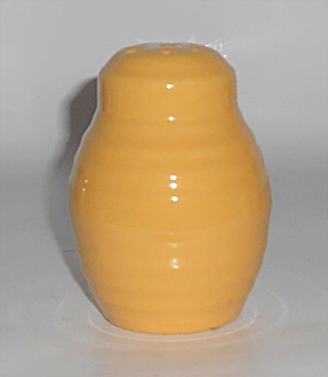 Bauer Pottery Ring Ware Yellow Barrel Shaker #4 (Image1)