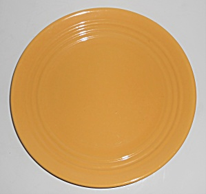 Bauer Pottery Ring Ware Yellow 9.5'' Plate #9 (Image1)