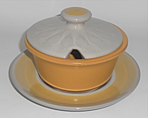 Franciscan Pottery El Dorado Gravy Bowl W/underplate