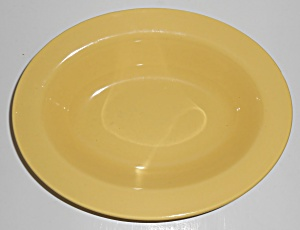 Metlox Pottery Poppy Trail Series 200 Gloss Yellow Oval