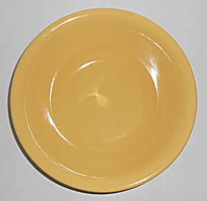Metlox Pottery Poppy Trail Series 200 Gloss Yellow Roun