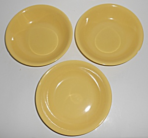 Metlox Pottery Poppy Trail Series 200 Gloss Yellow Set/