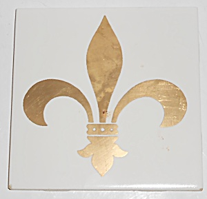 Vintage Gladding McBean 4'' Fleur De Lis Gold Decorated (Image1)