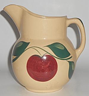 Vintage Watt Pottery Apple #16 Pitcher MINT (Image1)