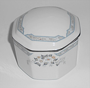 Mikasa Fine China Platinum Band Dana Sugar Bowl