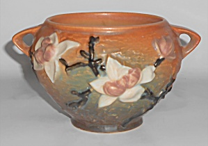 Roseville Art Pottery Magnolia #665-4'' Jardiniere (Image1)