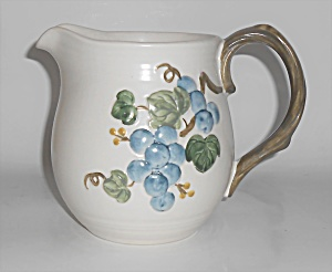 Metlox Pottery Poppy Trail Sculptured Grape Qt Pitcher