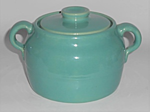 Bauer Pottery Plain Ware Jade 1 Quart Bean Pot