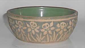 Red Wing Pottery Early Brushware Daffodil Art Bowl