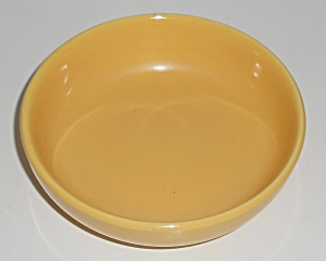 Bauer Pottery Monterey Moderne Yellow Fruit Bowl