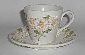 Metlox Pottery Poppy Trail Sculptured Daisy Cup/saucer