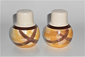 Vernon Kilns Pottery Organdie Salt & Pepper Shaker Set