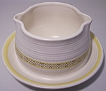 FRANCISCAN POTTERY HACIENDA GOLD GRAVY BOWL!