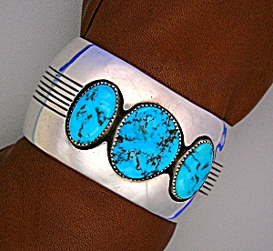 Native AmericanTurquoise Silver Antique  Cuff (Image1)