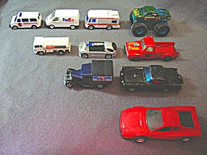 Lot #18 - 10 Diecast, Hot Wheels style toy vehicles (Image1)