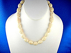 Bone Ivory Carved Beads Necklace 50s (Image1)