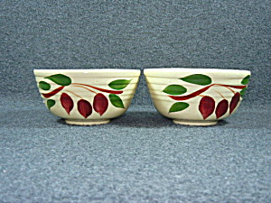Watt Pottery American Red Bud ribbed cereal bowl  (Image1)