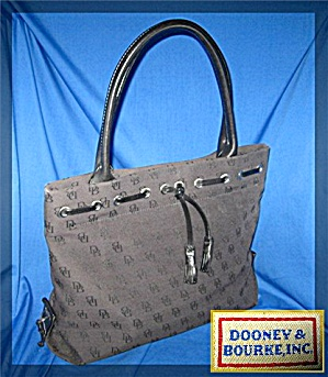 Dooney & Bourke Black Signature Tote USA   (Image1)