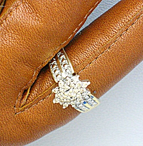 Ring 10k Yellow Gold Diamond Cluster