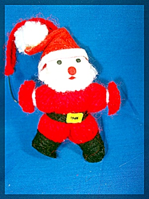 Santa  ornament Red  Yarn and Felt (Image1)