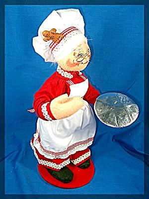 Cristmas Annalee Dolls Mrs. Chef Santa 2009   (Image1)