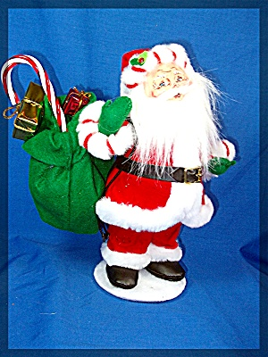 Annalee Santa with green toy sack over his shoulder (Image1)