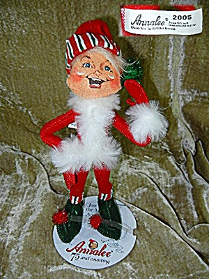 Cristmas Annalee 9 inch ELF 2005 (Image1)