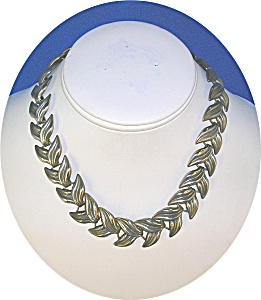 Silver Leaves Necklace England (Image1)