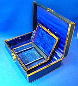 VINTAGE FARRINGTON JEWELRY BOX (Image1)