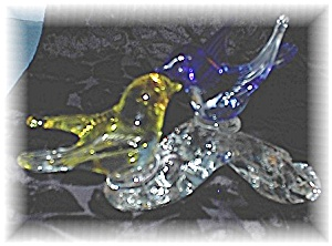 Glass  Yellow and Blue Birds On Glass Log (Image1)