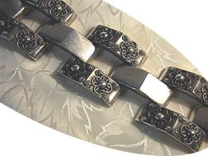 1940s  Wide Mexican Silver Bracelet (Image1)