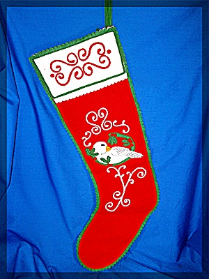 Red and Green felt Christmas Stocking........... (Image1)