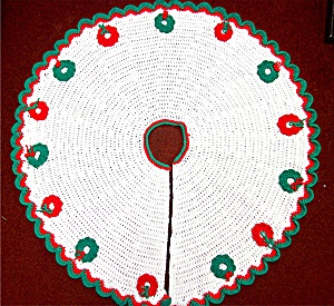 Christmas Tree Skirt.............. (Image1)
