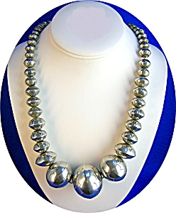 Navajo Pearls Sterling Silver Beads Necklace (Image1)