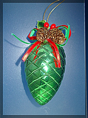 Pine Cone Christmas tree ornament (Image1)