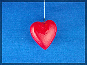 set of 4 Red Heart Christmas tree ornaments (Image1)