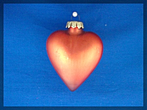 Three Red Glass Heart Christmas tree ornaments (Image1)