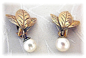 Earrings 14K Gold Leaves 7mm Pearl Clips   (Image1)