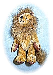 3 1/2 Inch Tiny Velvet Lion (Image1)