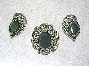 cc874cf04 Size: Brooch 1 7/8 wide1 5/8 inches long 1 1/2 inch earrings. Type: DANECRAFT  Sterling Silver Hematite Pin and Clip Earrings Country of Origin: US